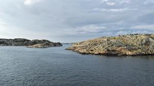 Felsige Inseln im Meer vor der Göteborger Küste