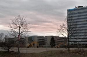 Das einplanierte Grundstück am Pferdeturm, wo noch Ende 2012 die Ruine eines Bürogebäudes stand.