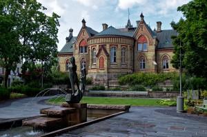 Das einzige hübsche Gebäude in der Innenstadt von Trollhättan.