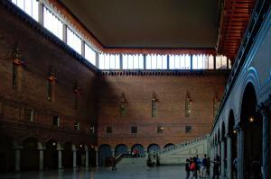 Die blaue Halle im stockholmer stadshus. Als Nobelpreisgewinner darf man hier die Treppe hinunter schreiten und nach der Preisverleihung dinieren.