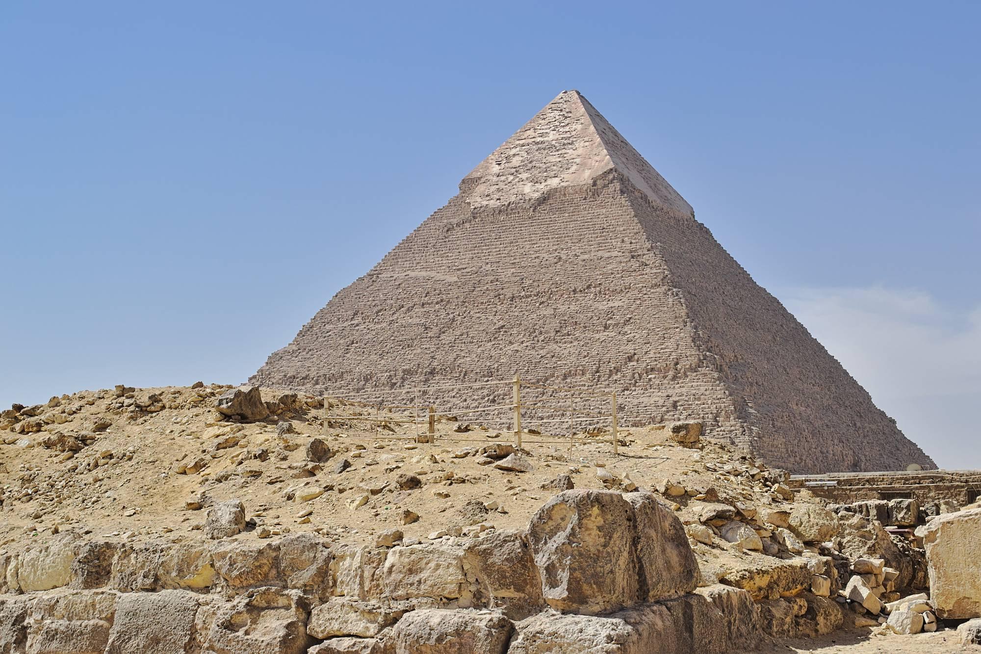 Die Chephren-Pyramide in Gizeh, die zweitgrößte dort.