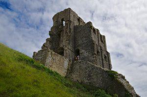 Der Hauptturm von Corfe Castle.