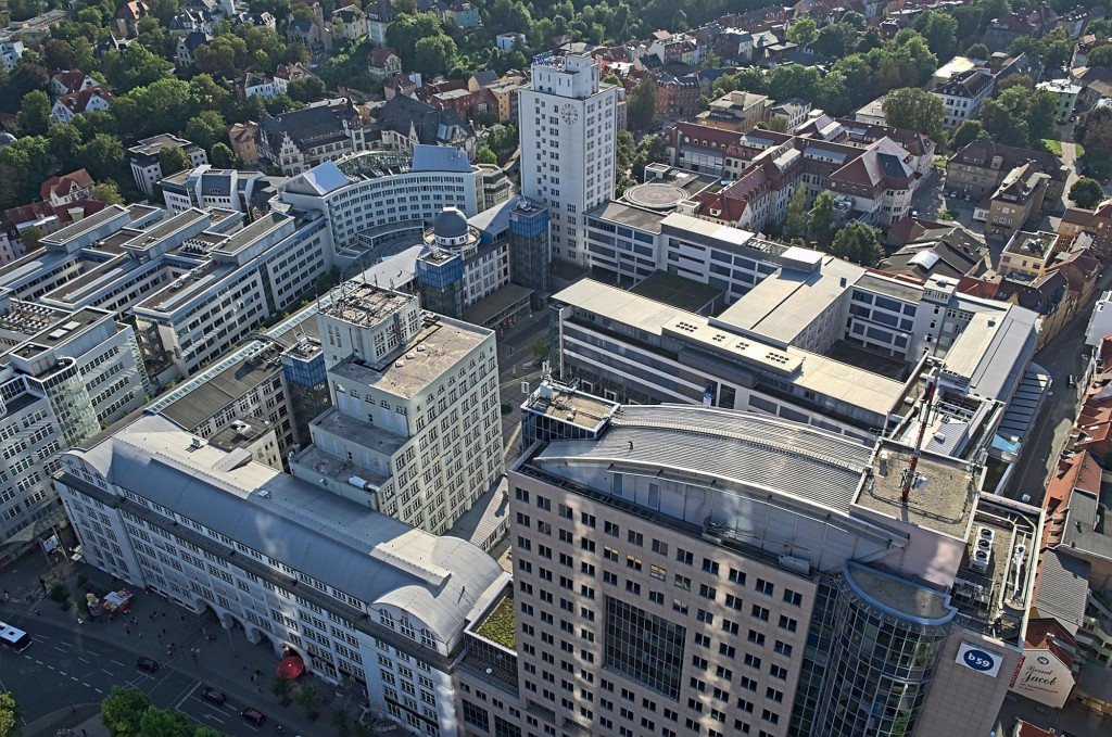 Blick auf das ehemalige Zeiss-Werk in der Innenstadt Jenas, jetzt Zentrum des Uni-Campus.