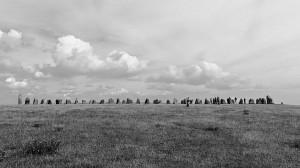 Ales Stenar - Überblick bei besserem Wetter mit anderen Besuchern.