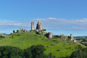 Nordansicht von Corfe Castle.