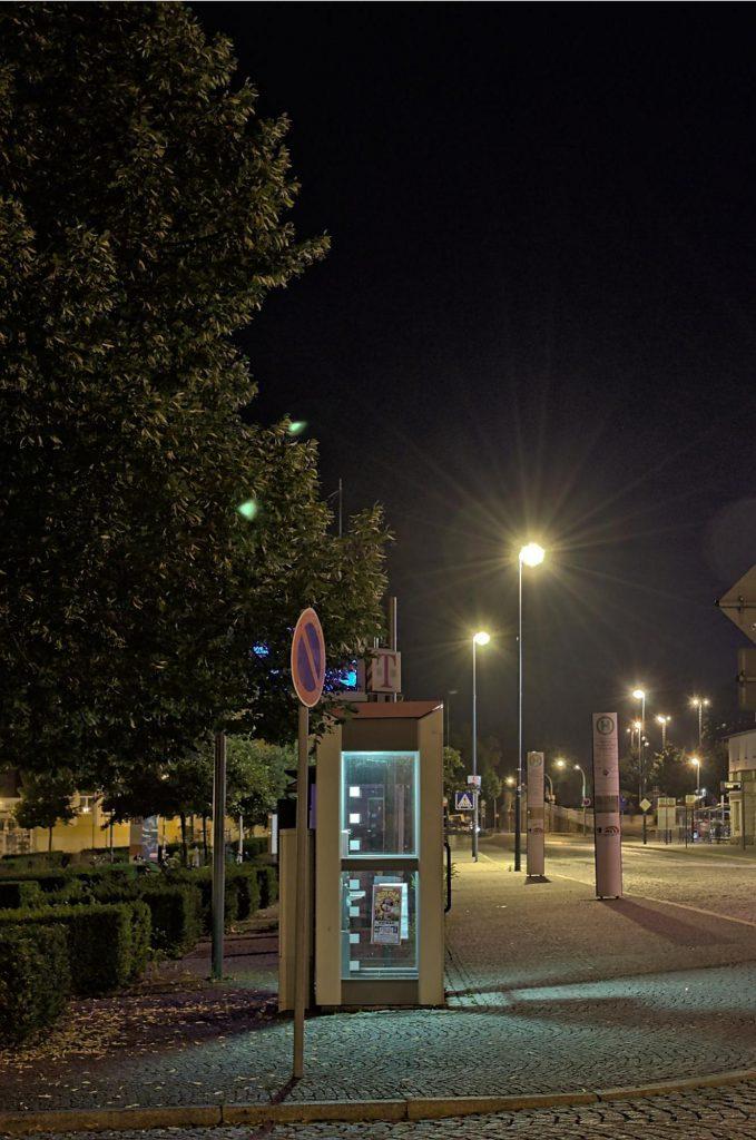 Weimar, Bahnhofsvorplatz/Schopenhauerstraße Ost, TelH 90 von der linken Seite fotografiert im Juli 2014, 2017 noch vorhanden.
