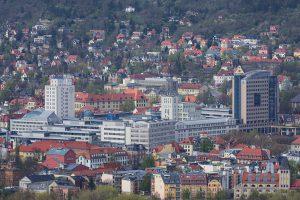 Der Ernst-Abbe-Platz in Jena, ehemaliges Werksgelände von Zeiss, jetzt Hauptcampus der Uni.