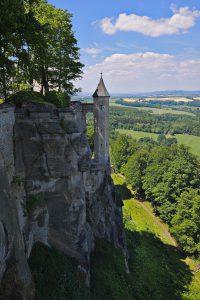 Ein kleiner Turm an der Mauer der Festung Königstein.