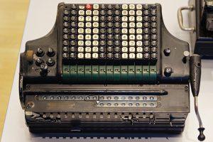 Ein Exemplar der Büromaschinen-Werke A.-G. Zella-Mehlis, um 1930 produziert.