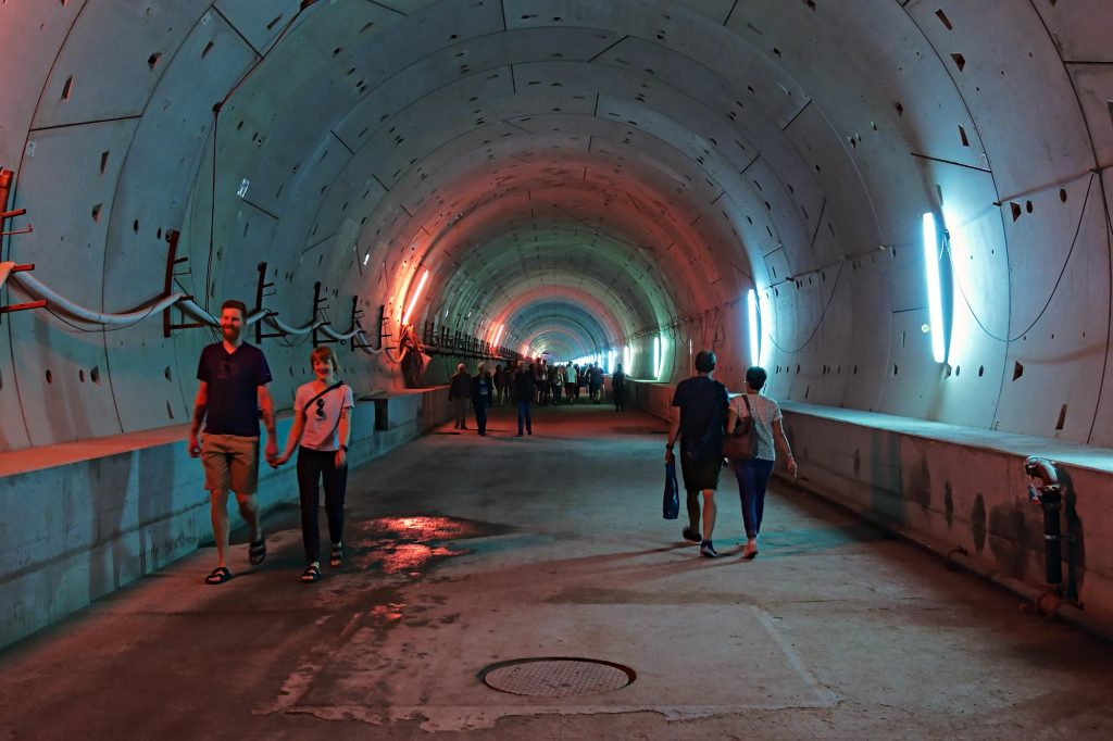 U-Bahn-Tunnel vom Karlsruher Marktplatz nach Westen in Richtung Europaplatz