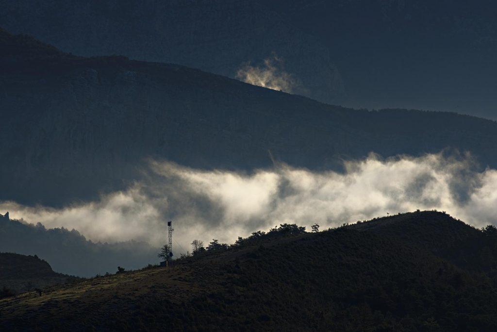 Morgennebel in der Verdon-Schlucht am Point Sublime.